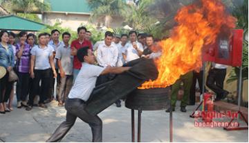 Hướng dẫn cách sử dụng chăn chữa cháy thoát hiểm an toàn