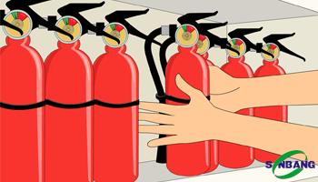 Mua bình chữa cháy để ở đâu an toàn mà dễ lấy?